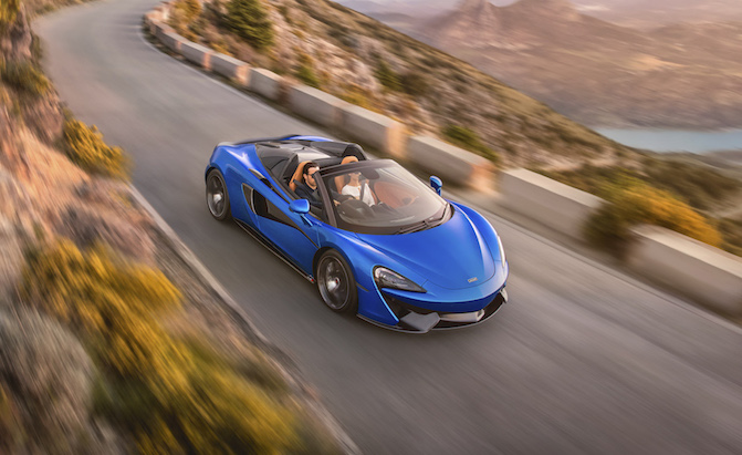 McLaren 570S Spider Arrives with Retractable Hardtop