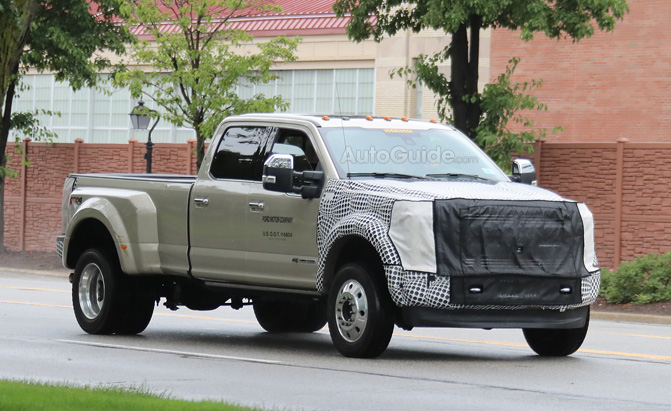 2019 Ford F-450 Super Duty Spied Testing in Michigan