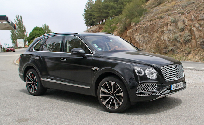 Bentley Bentayga Plug-In With Zero Emission Drive Mode Coming in 2018