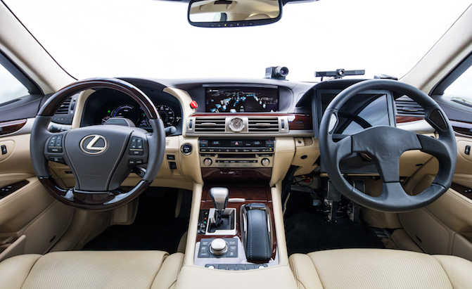 Lexus Shows Off its Dual Steering Wheel Self Driving Car