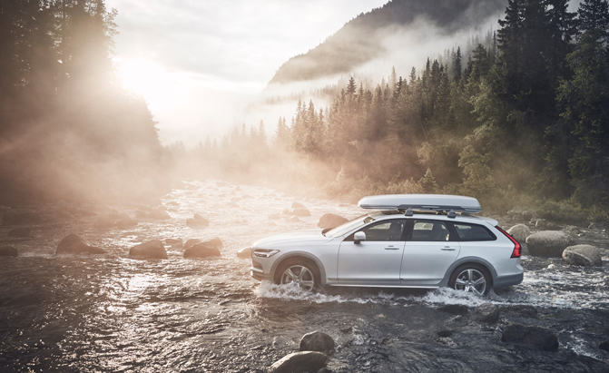 Volvo Introduces the V90 Cross Country Ocean Race