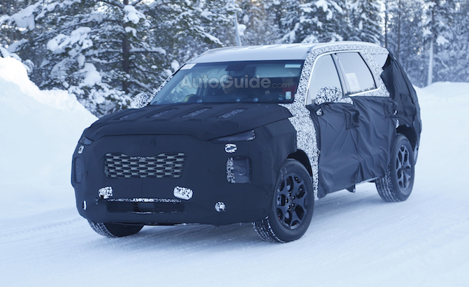 Large Hyundai SUV Puts Chevrolet Tahoe in its Crosshairs