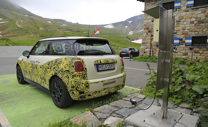 Mini Electric Spied Charging in the Alps Ahead of Debut