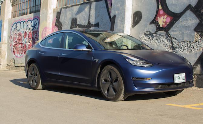 Tesla Gives Free Supercharging to Hurricane Florence Evacuees